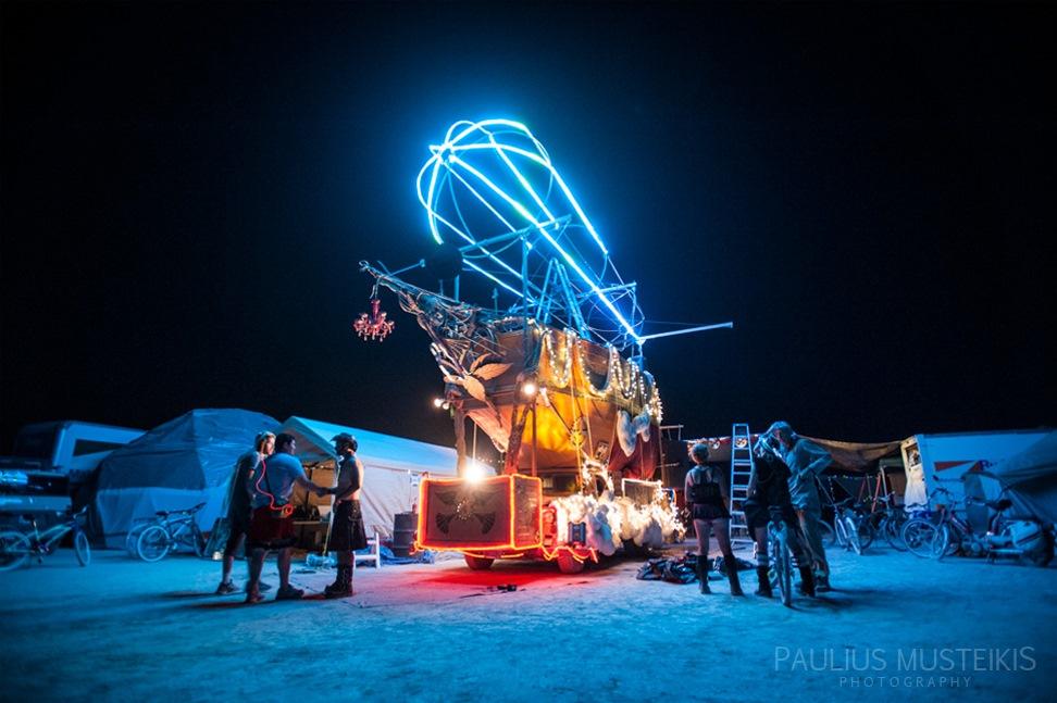 Lake_Lahontan_Retreat_and_Water_Show_Burning_Man_photography_Paulius_Musteikis_DSC_4217
