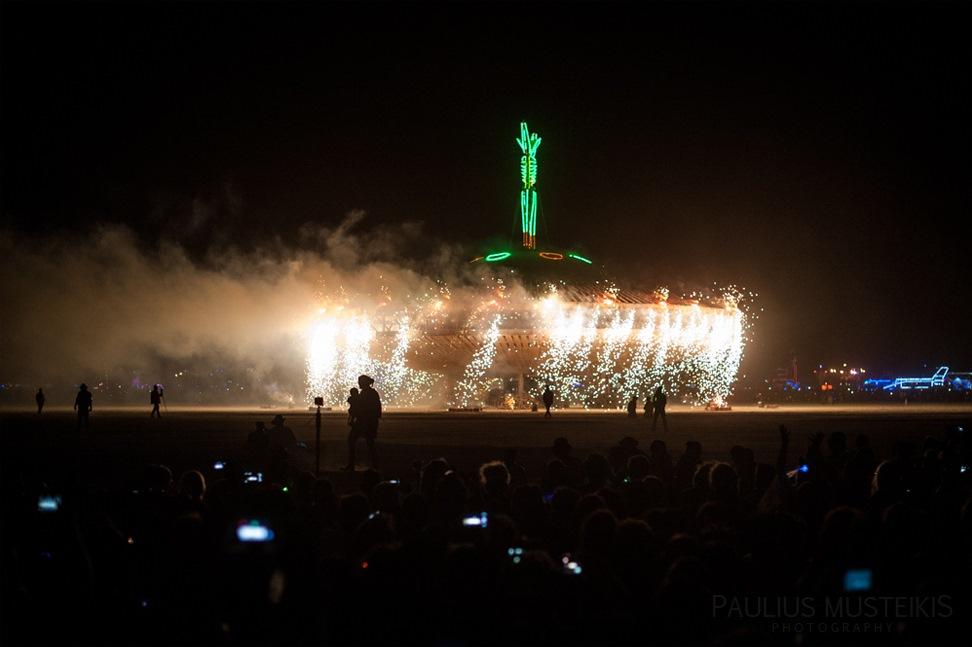 Lake_Lahontan_Retreat_and_Water_Show_Burning_Man_photography_Paulius_Musteikis_DSC_6004