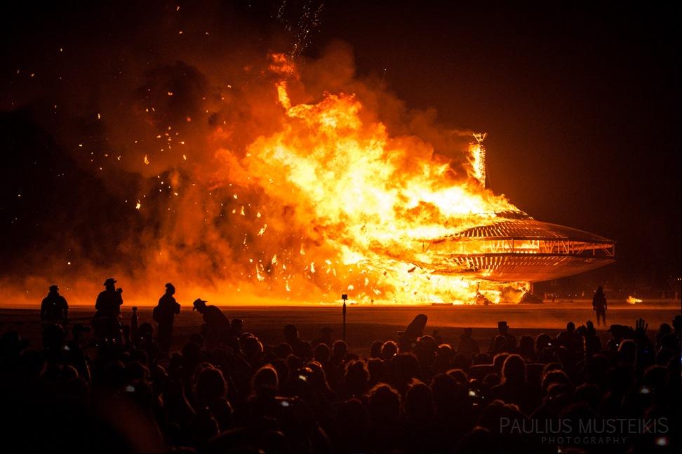 Lake_Lahontan_Retreat_and_Water_Show_Burning_Man_photography_Paulius_Musteikis_DSC_6026