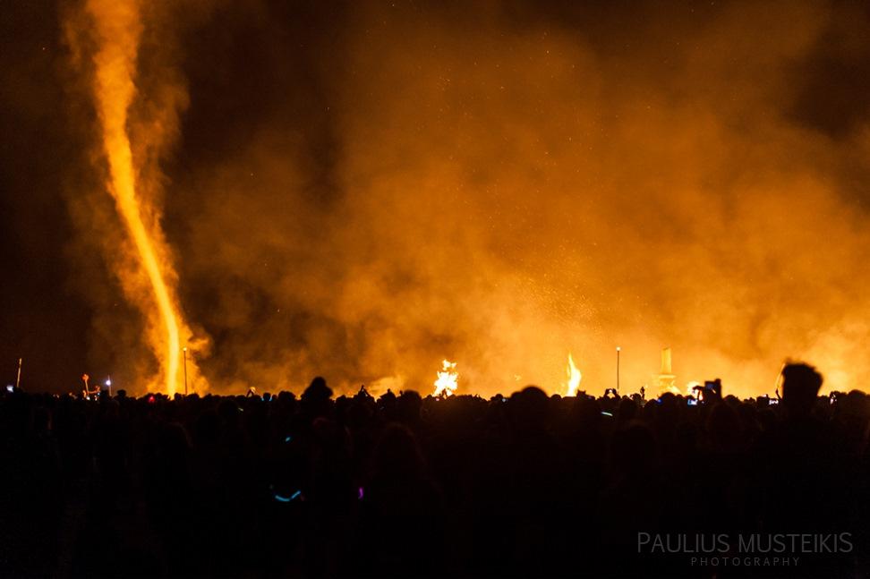 Lake_Lahontan_Retreat_and_Water_Show_Burning_Man_photography_Paulius_Musteikis_DSC_6301