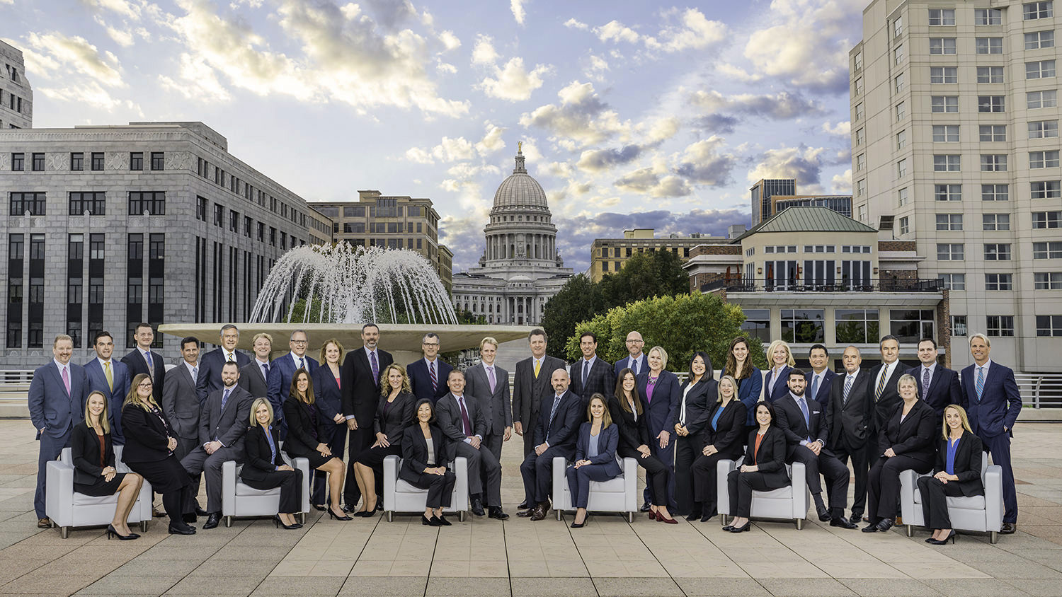a group picture of convention attendees in Edgewater hotel